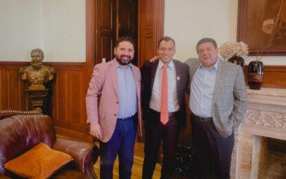 Se reúne el Alcalde César Peña con Secretario de Gobierno