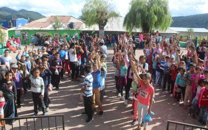 Realizan actividad de concientización del cáncer infantil en Baborigame, Gpe y Calvo