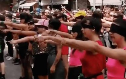 """¿Dónde surgió el viral himno feminista """"El violador eres tú""""?"""