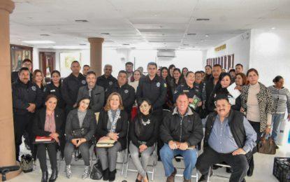Imparten plática de salud, bienestar y desarrollo sostenible a funcionarios
