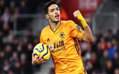 Exjugador de los Wolves pide a Raúl Jiménez no irse al Manchester United