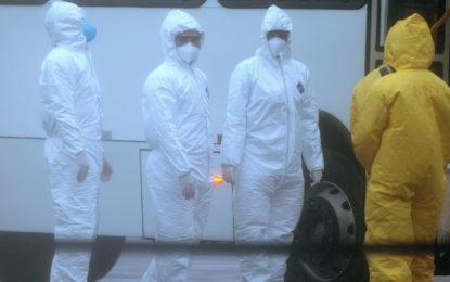 China confirma que ya son más de mil 300 muertos por el coronavirus, y más de 48 mil infecciones