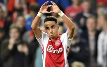 Despierta Nouri, jugador del Ajax tras casi 3 años en coma