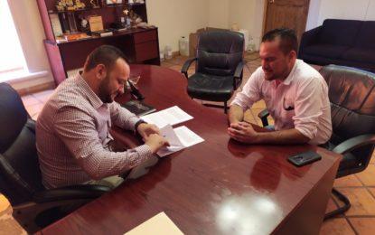 Firman convenio para ocupación temporal en Balleza