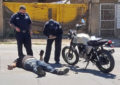 VIDEO: Motociclista intenta rebasar incorrectamente y resulta lesionado en la Av.