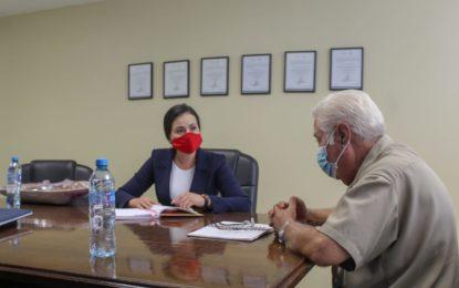 Se reúne Sol Sánchez con director del Hospital Infantil de Chihuahua