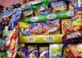 Morena buscará prohibir venta de comida chatarra a niños en todo México