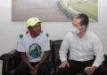Beca alcalde de Guachochi al maratonista rarámuri Pedro Parra