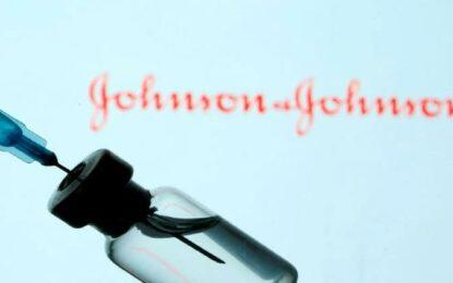 Piden a la farmacéutica J&J donar sus primeras vacunas a países pobres