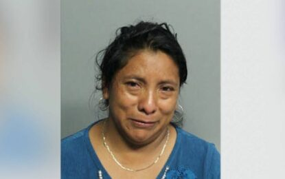 Le dan 25 años de cárcel por olvidar a su hija en el auto; murió por calor