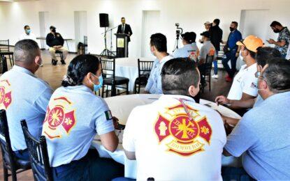 El  Alcalde César Peña pone en marcha la 1ª Academia Interna Bomberos de Parral