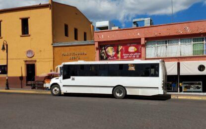 Aumento en costo de gasolina impacta ingresos a urbanos y taxis en Parral